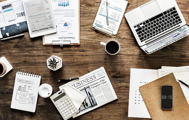 Vantagens de contratar uma empresa para limpar seu escritório
